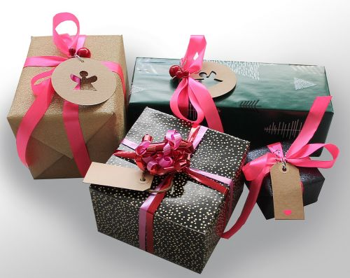 dovanos,dovanos,juosta,paketai,skjjfe,staigmenos,pakavimas,po medžiu,šventės,Kalėdinė dovana,Kalėdinės dovanos
