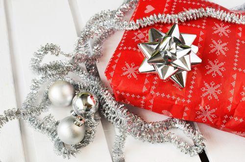dovanos,dovanos,Kalėdos,lankas,juosta,sidabras