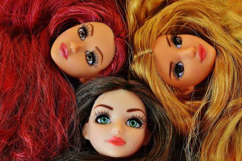 mergaitė,merginos,Draugystė,klavišas,lėlės,graži,veidas,akys,grožis,sportiškas,plaukai,žaisti,vaikų žaislai,galva,mergaičių žaislai,figūra,žavus,gražus,šukuosenos