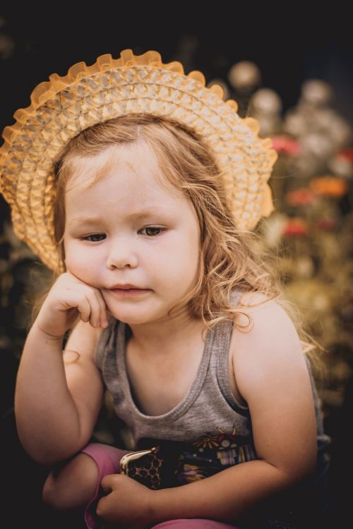mergaitė,grožis,mintis,vaikystę,rusų,fotografija,laikysena,svajingas,portretas,kūdikis,jaunas,modelis,nuotrauka