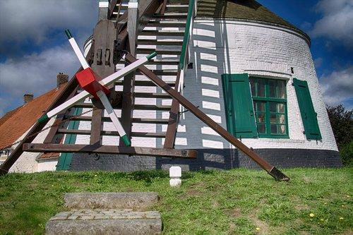 Gistel, malūnas, Istorinis malūnas, vėjo malūnas, malimo peiliai, malūnas duomenys, mediniai dagčiai, balta malūnas
