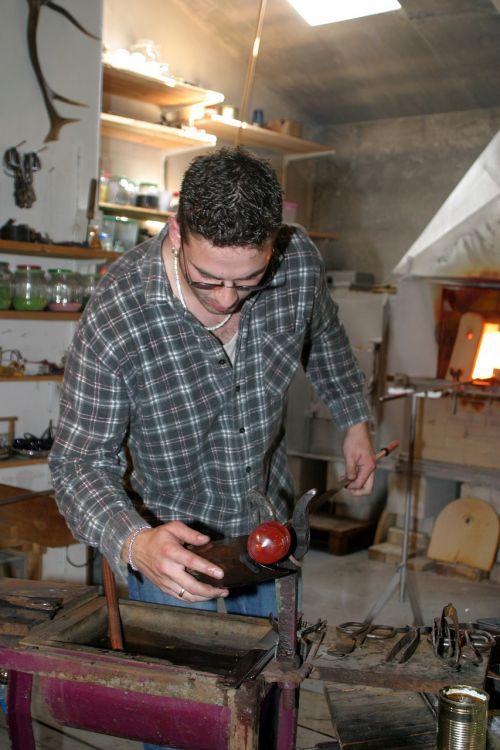 stiklo pūstuvas,tradicija,amatų,niederbayern,Bavarijos miškas,seminaras,menas,menininkai,stiklo menininkai
