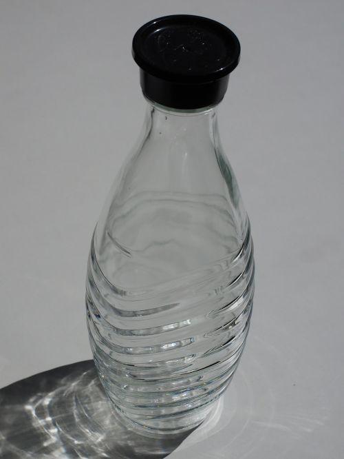stiklo karakas,karajas,butelis,stiklinis butelis,pradėti,vandens šulinys,aeratorius,dujinis butelis,sodasprudler,sodastream