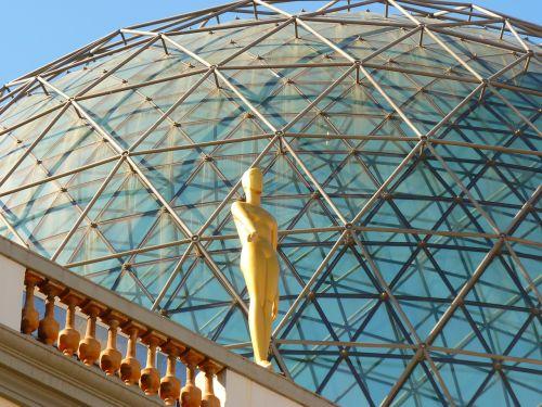 stiklo kupolas,figūra,auksinis,muziejus,dalí,figueras,Ispanija,kupolas