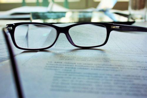 akiniai,skaitymas,akiniai,akiniai,popierius,dokumentas,mokytis,akiniai,darbas,darbo,studijuoti,skaityti,optinis,rėmas