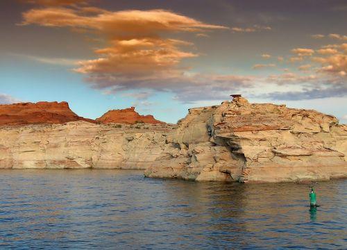 Glen Canyon,Utah,kraštovaizdis,vaizdingas,dangus,debesys,kalnai,ežeras,vanduo,gamta,lauke,kaimas,smiltainis