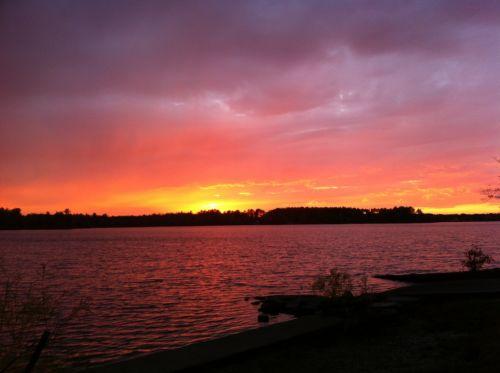 saulėlydis, tvenkinys, saulė, žėrintis, debesys, nuostabus & nbsp, saulėlydis, oranžinė, geltona, horizontas, naktis, dusk, vakaras, lauke, gamta, žėrintis saulėlydis per vandenį