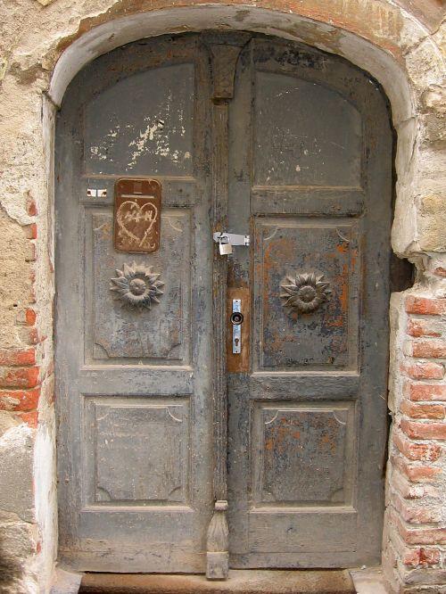 tikslas,durys,įvestis,namo įėjimas,senos durys,mediena,priekinės durys,vartai