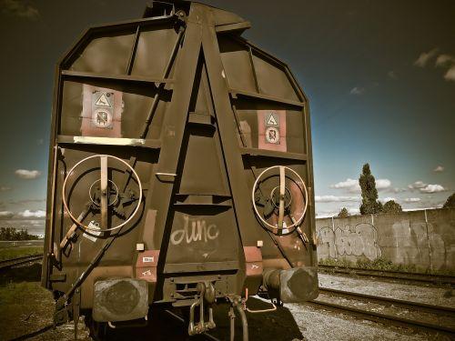 krovininiai vagonai,traukinys,prekinis traukinys,geležinkelis,transportas,geležinkelių transportas,prekių gabenimas,krovininis transportas,metalas,nerūdijantis,vagonas,abendstimmung