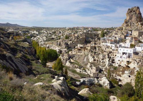 Gorema,cappadocia,Turkija,apartamentai,vulkaninės uolienos,uolienos formacijos,centrinė anatolija,miestas,UNESCO pasaulio paveldas