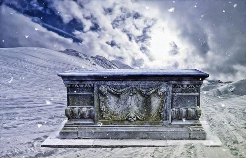 gotika,fantazija,tamsi,kapas,sniegas,gotikos kraštovaizdis,paslaptis,mįslingas,kalnai,audra,kapas sniege,gotikinis kapas,angelai ir kaukolės