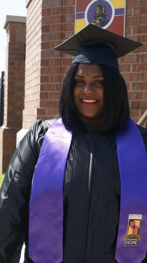 absolventas,Moteris,afroamerikietis
