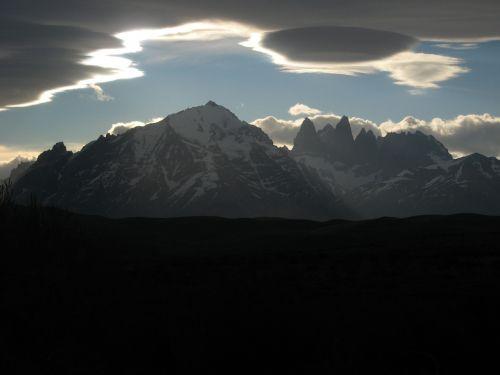 granito kalnai,debesis,ufo debesis,torres del paine