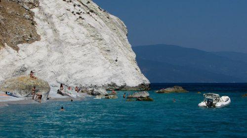 Graikija,slidinėjimas,sala,papludimys,Rokas,balta,sporadai,Viduržemio jūros,vasara,jūra,gamta,mėlynas,vaizdingas,Lalaria paplūdimys,žvyro paplūdimys,peizažas,turizmas,atostogos,dramatiškas,kranto,pakrantė
