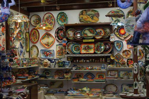 Graikija,porcelianas,keramika,ąsočiai,plokštė,indai,konteineris,raudona,verslas,peržiūra