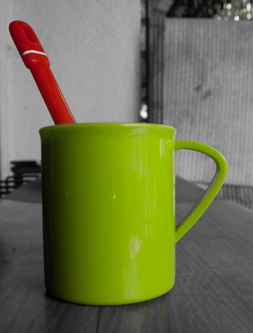 žalias,taurė,šaukštas,raudona