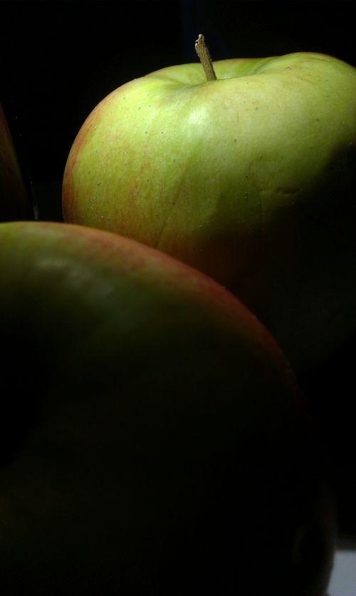 žalias,obuolys,vaisiai,obuoliai,vitaminas,pluoštas,vitamino C,padėklų medienos plaušiena,vitaminai,valgyti,žalias maistas,žalias obuolys,sveika mityba,sveikata,valgymas,maistas