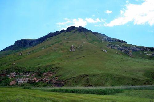 kalnai, Drakensbergas, auksiniai & nbsp, vartai & nbsp, nacionalinis & nbsp, parkas, žalia pieva po kalva
