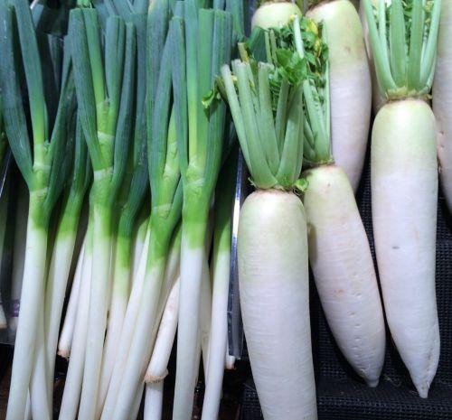 žalias svogūnas,ridikėliai,daržovės,seiyu ltd,gyvenimas,prekybos centras,vaisiai ir daržovės,departamentas,Heisei-cho,Yokosuka,Japonija
