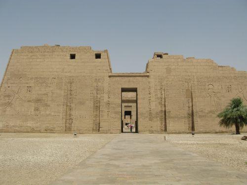 Hubo šventyklos pagrindinis įėjimas,luxor west bank,luxor šventykla