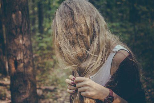plaukai,moteris,pintys,Moteris,ilgai,Šviesiaplaukis,pynimas,šukuosenos,asmuo,suaugęs,galva,Šviesiaplaukis,mergaitė,ilgi plaukai,mada,modelis,žmonės