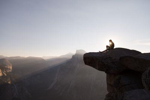 Puse Kupolas, Josemito Nacionalinis Parkas, Uolos, Asmuo, Keliautojas, Ti-Sa-Ach, Piko, Žinomas, Saulėtekis, Saulės Šviesa, Kalifornija, Usa, Gamta, Slėnis, Kraštovaizdis, Granitas, Orientyras, Kalnas, Rokas, Vaizdingas, Turizmas, Kelionės Tikslas, Aukštas
