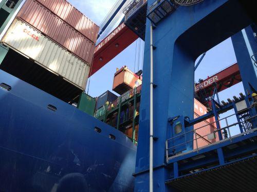 hamburgas,uostas,konteinerių pakrovimas