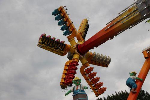 hamburgas,Dom,metų rinka,liaudies šventė,šviesus,spalva,važiuoja,blynai,Vokietija,festivalio vieta,karuselė,laisvalaikis,hamburger dom