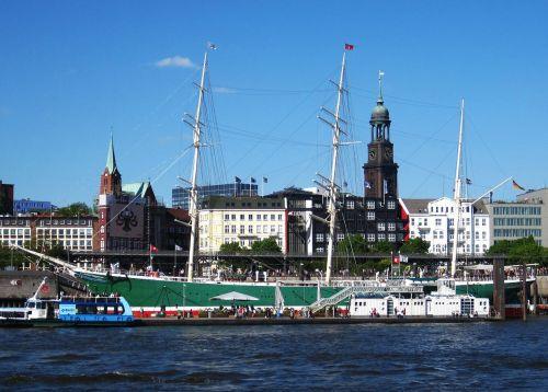 hamburgas,Hamburgo uostas,Elbe,laivas,Landungsbrücken,uosto miestas,Michel,kosmopolitinis miestas,hanseatic,didelis miestas,bažnyčia,mėlynas dangus,Rickmer rickmers,šiaurinė Vokietija,orientyras,Hanzos miestas,panorama,jūrų