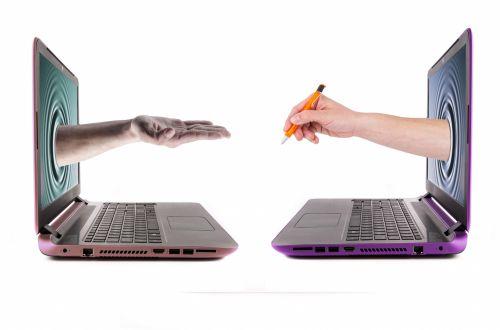 skelbimas, ranka, verslas, komunikacija, kompiuteris, koncepcija, kopijuoti, dokumentas, e-komercija, pirštas, visuotinis, ranka, laikyti, žmogus, idėjos, izoliuotas, Raktas, klaviatūra, nešiojamas kompiuteris, pranešimas, mobilumas, pastaba, objektas, pc, rašiklis, pardavimai, technologija, balta, rankų laikymo rašiklis