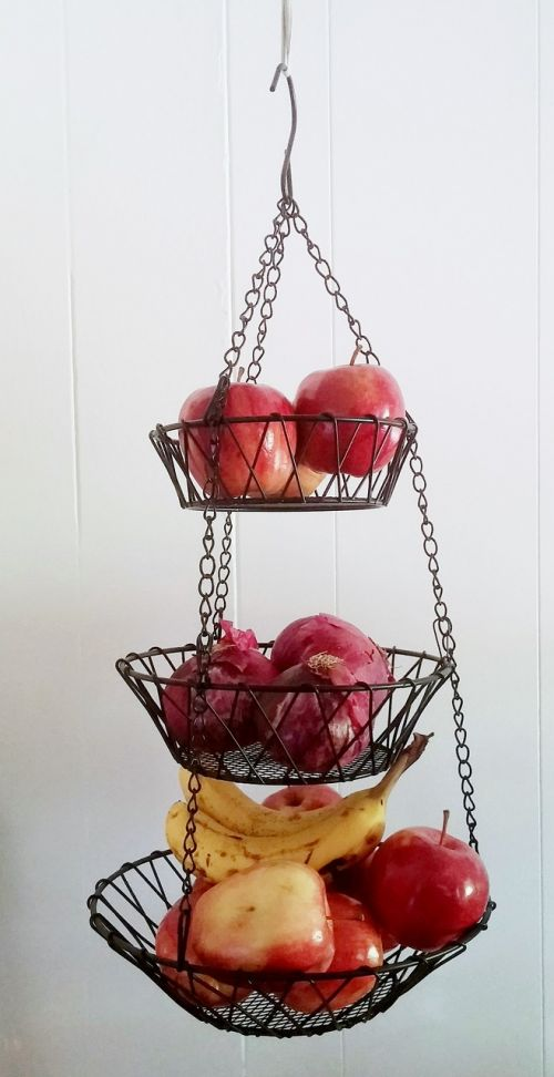 pakabinamas krepšys,laidų krepšelis,krepšelis,vaisių krepšys,vaisiai,kabantis