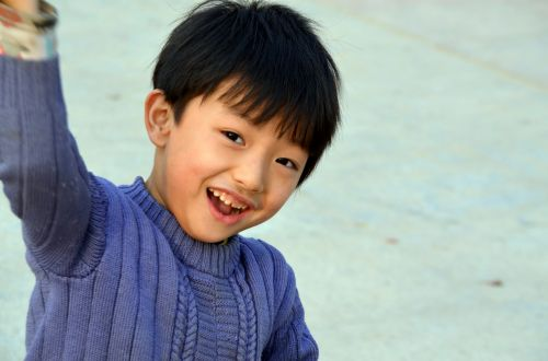 žmonės, berniukas, jaunas, vaikas, vaikai, laimingas, šypsena, šypsosi, laimingas berniukas
