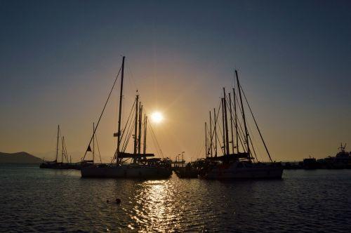 uostas,jūra,uostas,vanduo,uostas,laivas,mėlynas,vandenynas,transportas,laivas,gabenimas,jūrinis,saulėlydis,šventė,kelionė,turistinis