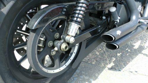 motociklas, harley, davidson, ratas, ratai, išmetimas, išmetimai, vamzdis, vamzdžiai, motociklai, dviratis, dviračiai, motociklas, motociklai, baikeris, važiuoti, raitelis, vairuotojai, Harley davidson galinio rato išmetimas