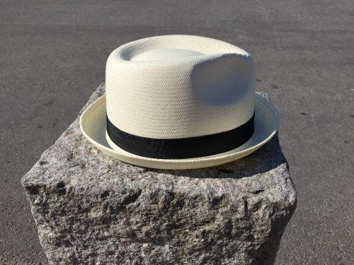 skrybėlę,galvos apdangalai,akmuo