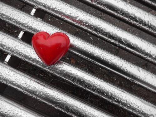 širdis,meilė,emocijos,romantika,raudona,sėkmė,praradimas,pavydas,ilgesys,liūdesys,ašaros,lašas vandens,lietus,prarastas,fondų skausmas,rasti