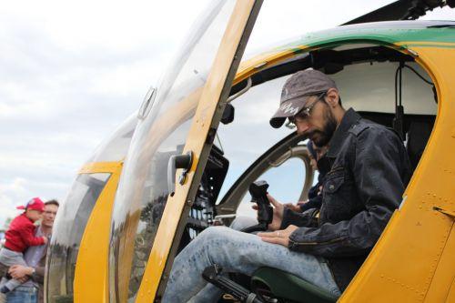 sraigtasparnis,pilotas,kajutė,skrydis,vairasvirtė
