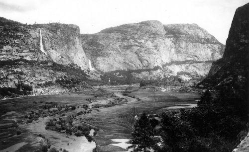 Hetch Hetchy slėnis,1900,tuolumne upė,kalnas,slėnis,miškas,uolos,kalvos,mažas slėnis,užtvankos,senoji juoda ir balta nuotrauka,buvęs,gamta,kraštovaizdis,mediena,medis,eglė,spygliuočių,upelis,ežeras,tapetai