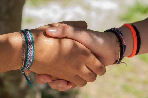 Labas,purtant rankas,Draugystė,paaugliai