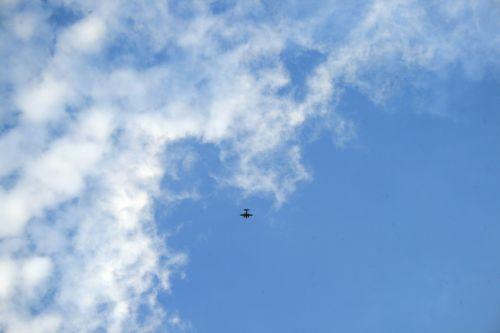 debesis, gudrus, plonas, rūkas, orlaivis, aukštas, toli, didelis lėktuvas ir rūko debesis
