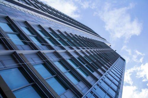 aukštas,pastatas,aukštas,architektūra,miestas,dangus,verslas,šiuolaikiška,dangoraižis,bokštas,mėlynas,aukštas,aukštybinis,biuras,stiklas,struktūra,apleisti,miesto