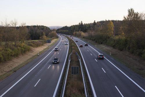 greitkelis,eismas,Vokietija,gatves,transporto priemonės,automobiliai,kelio,vairuoti automobilį,vairuoti,automobilis,kelias,transportas,džemas,kelionė