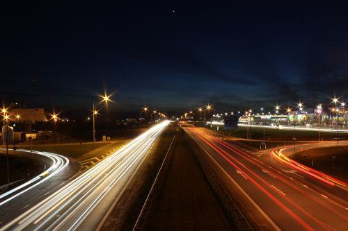 greitkelis, greitkelis, greitkelis, kelias, gabenimas, kelionė, greitis, eismas, judėjimas, kryptis, miesto, vairuoja, miestas, greitkelis, tarpvalstybinis, asfaltas, naktis, vakaras, blur