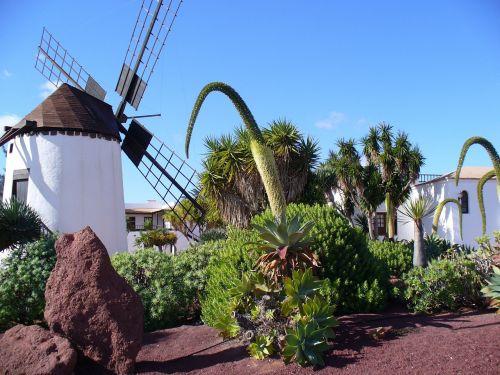 istoriškai,vėjo malūnai,Balearų salos