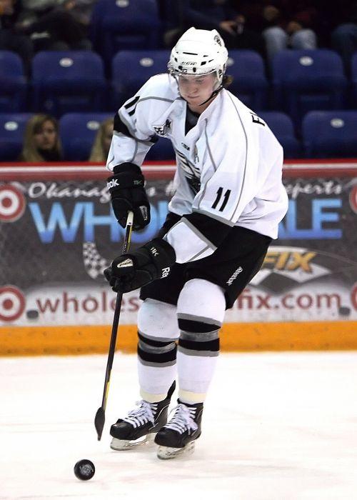 ledo ritulys,ledo ritulio ritulys,ledo ritulio žaidėjas,ledo ritulys,žaidimas,Kanada,ledo ritulys,Sportas,čiulpti,Stick,Ledo ritulio lazda,šalmas,žaidėjas,skates,ledas,varzybos,Kanados
