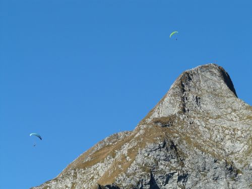 höfats,aukščiausiojo lygio susitikimas,vakarų viršūnių susitikimas,rytų aukščiausio lygio susitikimas,viršūnių susitikimas,paragliteris,kalnai,kraigas,alpinistas,alpinizmas,kietas,eksponuotos,kalnas,Allgäu,Allgäu Alpės,Alpių,žygiai,kalnų žygiai,Rokas,pietų pietryčių griuvėsiai,rožinis,Pietryčių siena,paragleris,paragliding,skristi,ekranas
