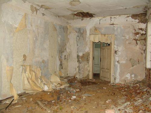 namai,avarija,renovacija,senas pastatas