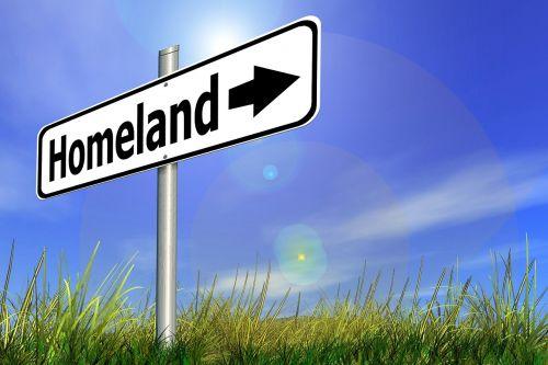 namai,Gimtoji šalis,skydas,katalogas,kryptis,rodyklė,ženklai,ženklinimas,teisingai,pastaba,toli,pieva,žolė,atsipalaidavimas,Gimimo šalis,kilmės šalis,tėvynė,kilmė,vidaus,žemė