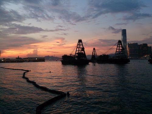 Honkongas,Viktorijos uostas,saulėlydis,baržos,sieninis popierius,fonas,tamsi,jūra,laivas,konteineris,tapetai