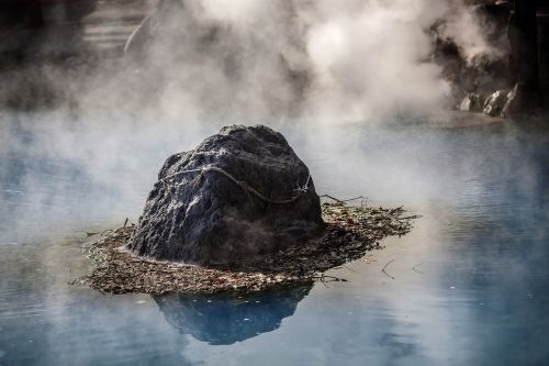 karštas pavasaris,Rokas,vanduo,karštas,baseinas,akmuo,geoterminė energija